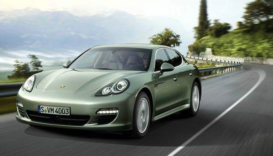 The new Porsche Panamera S Hybrid