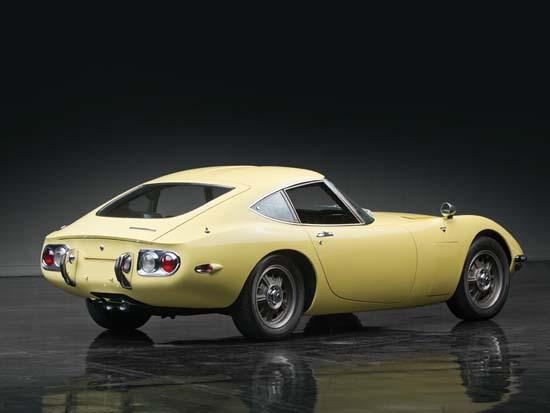 1967-Toyota-2000GT-03