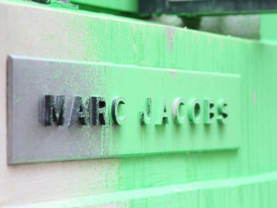 Marc Jacobs turns graffiti into $686 T-shirt