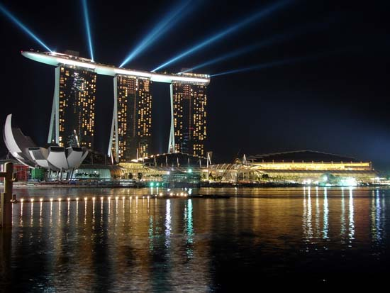 7 Best Reasons To Visit Singapore