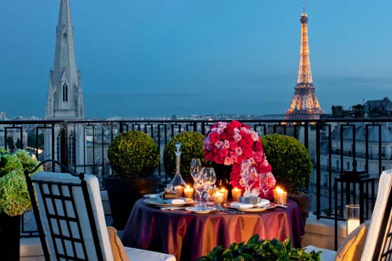 Visit The World's 10 Most Luxurious Hotel Suites in 21 Days