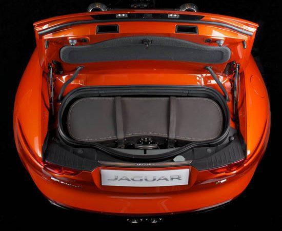 Moynat Unveils a Bespoke Trunk for Jaguar F-Type Roadster