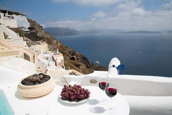 10 Stunning Properties For Rent in Greece