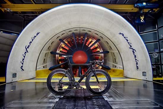 De Rosa SK Pininfarina Racing Bicycle Will Help You Break Records
