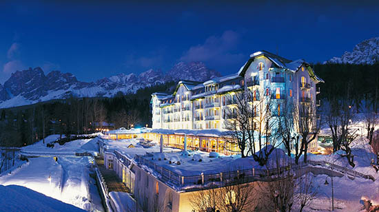 This Amazing Ski Resort Hotels Should Be On Your Christmas List