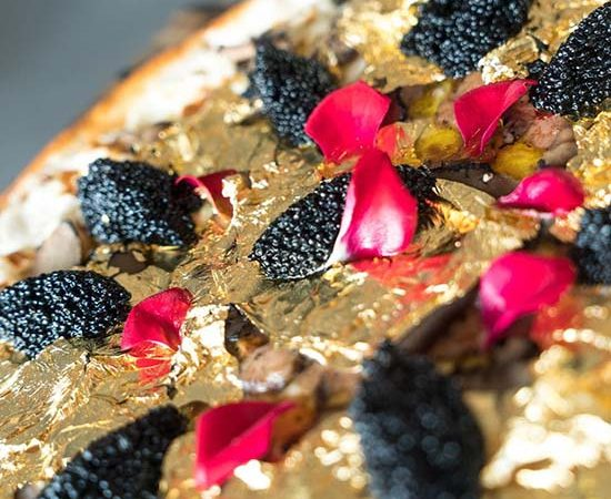 NYC Restaurant Offers $2000 Pizza Topped With 24K Gold