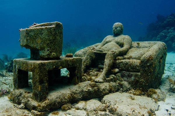 Cancun Underwater Museum Is A Diver's Dream Come True