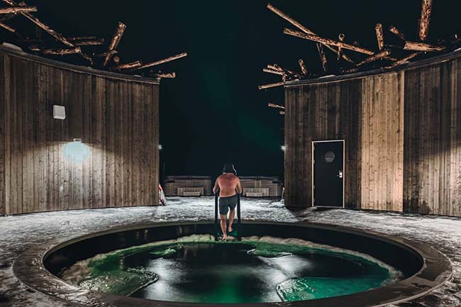 Take A Cold Bath At The Floating 'Arctic Bath' Hotel