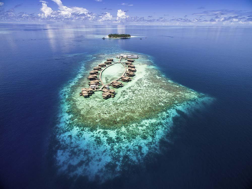 Rent The Stunning Raffles Maldives Meradhoo Island for $1 Million