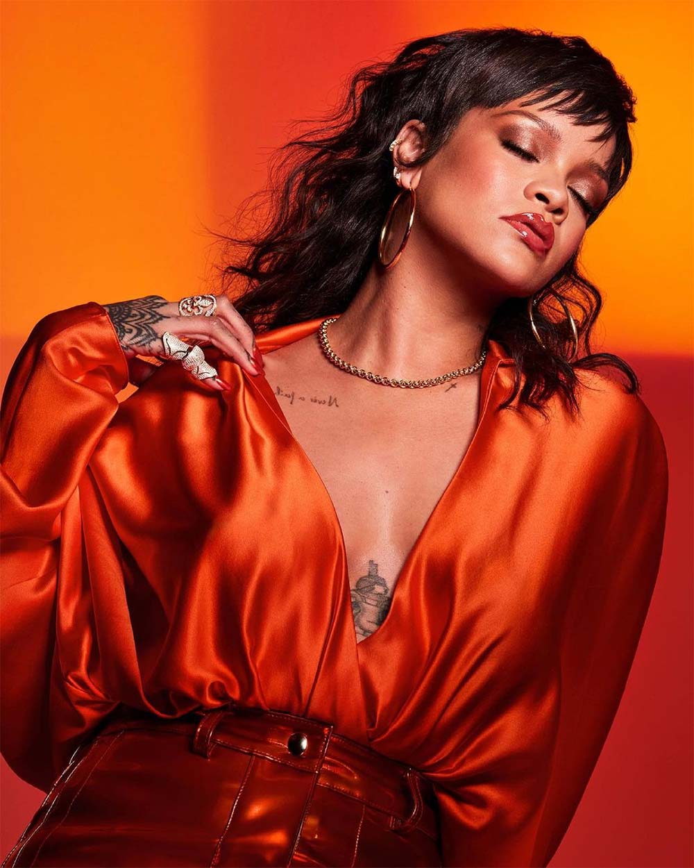 Rihanna Is Officially A Billionaire At 33 Years Old